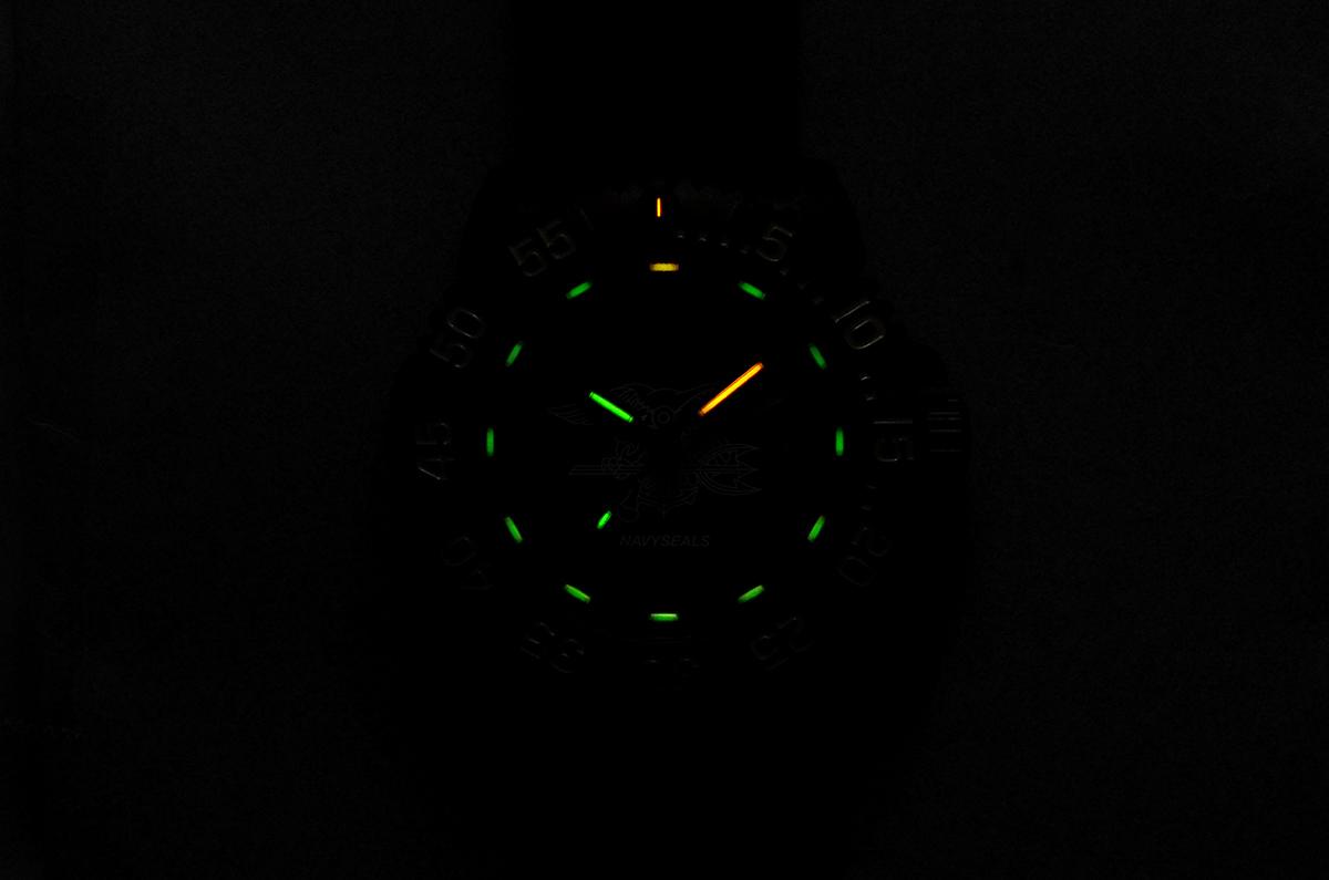 https://luminox.jp/watch-collection/sea/navy-seal-3050-series-ref-sealsmark-limited-vol-3/
