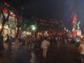 夜の西安回民街の夜景