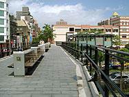 中華路一段の歩道橋