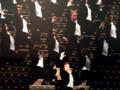 宝塚歌劇ルーム 壁には大階段に立つ黒燕尾姿のタカラジェンヌが