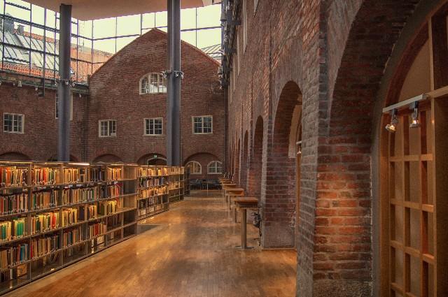 外国の図書館の写真