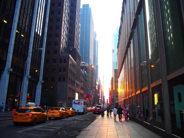 マンハッタンのビル街の写真
