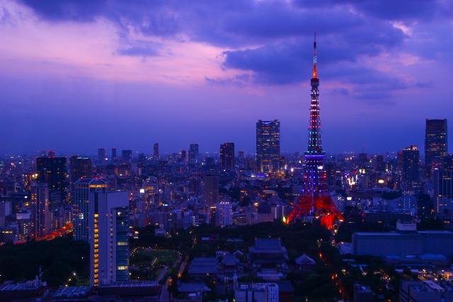 東京タワーを背景にした夜景の写真