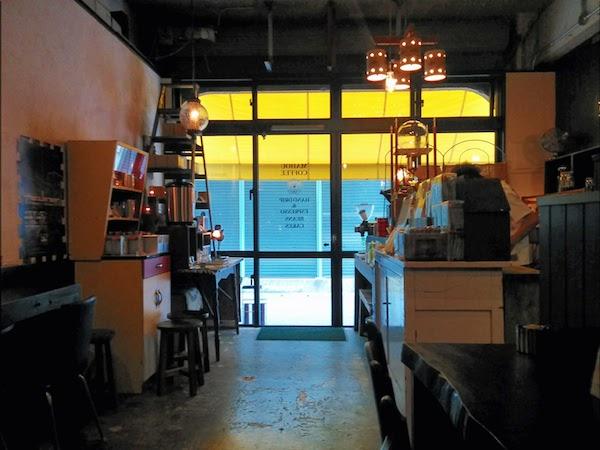 那覇にあるカフェの写真