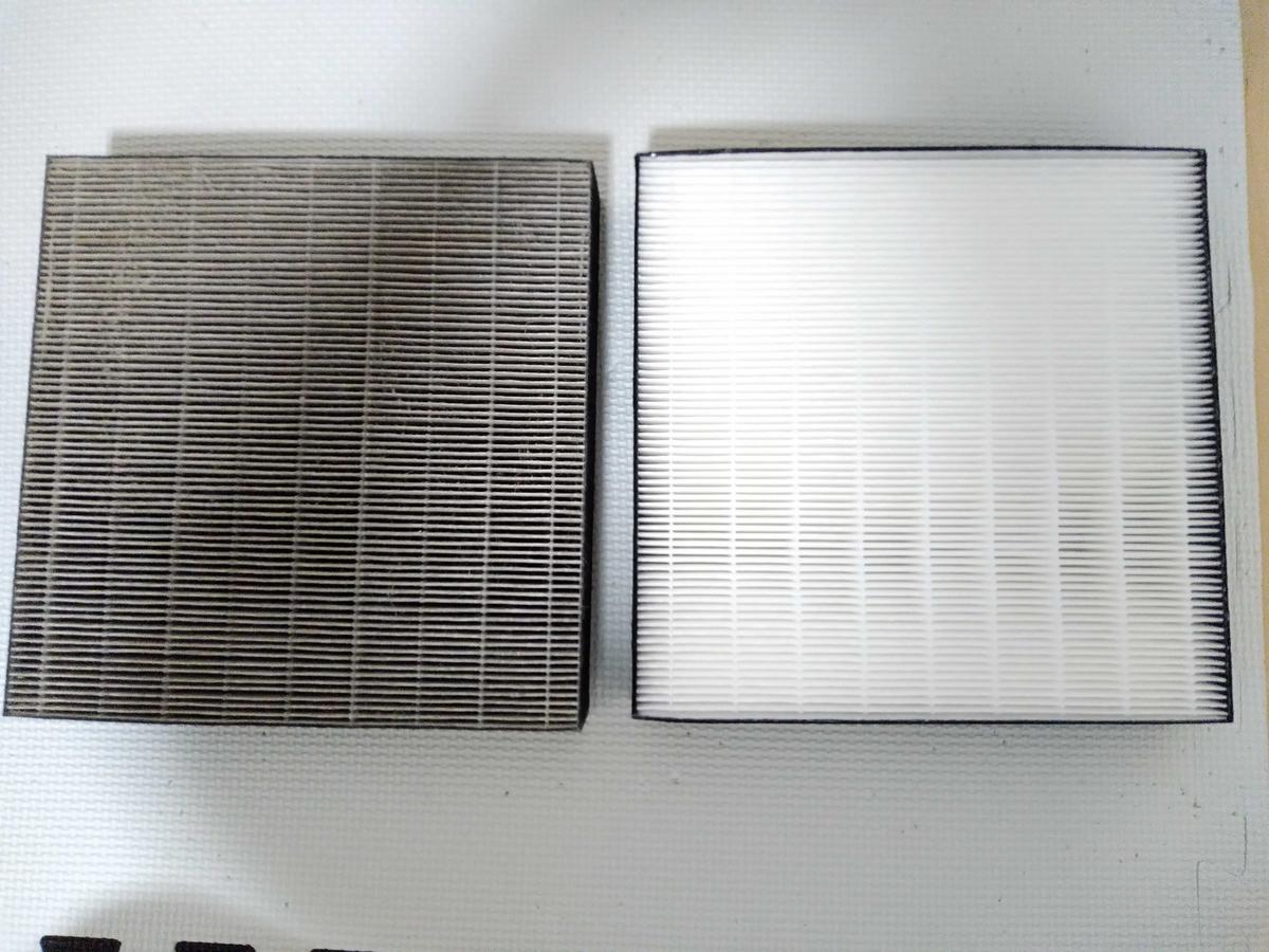 5年使用(左)と新品(右)の集塵フィルター