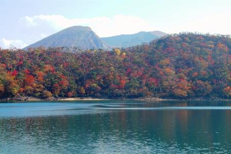 紅葉のえびの高原 六観音御池