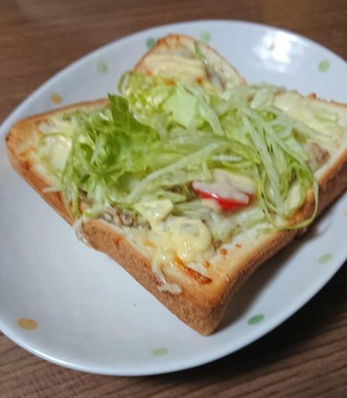 サバ缶で作るピザ風トースト完成
