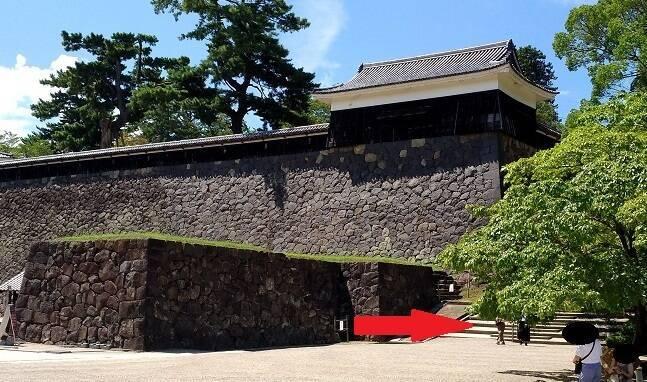 松江城天守に向かうための階段