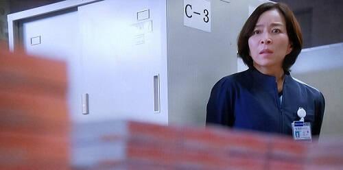 フェンタニルを眺める販田部長