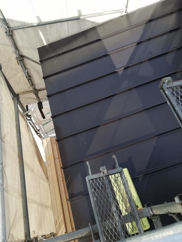 足場から撮影 屋根