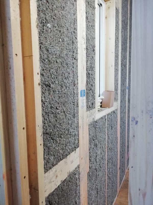 建築中 断熱材施工後