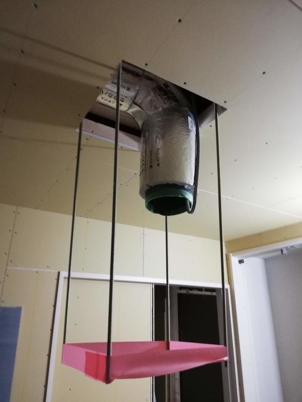 建築中 キッチンの換気扇