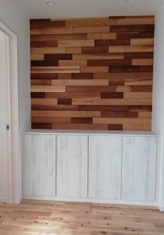玄関ホール ウッドパネル