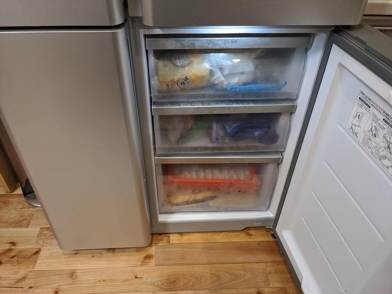 冷凍室 右