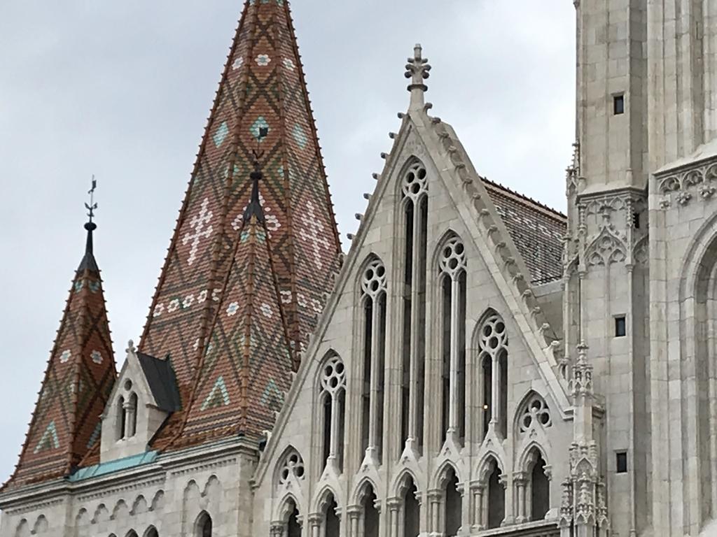 マーチャーシュ教会の屋根
