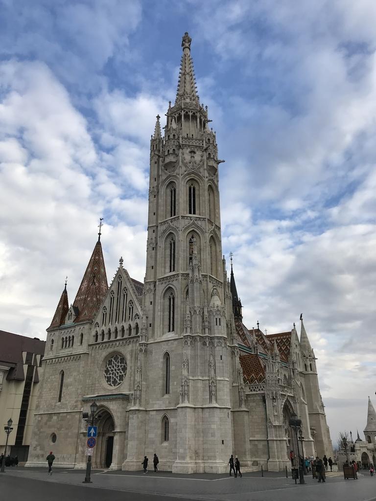 マーチャーシュ教会の全体像