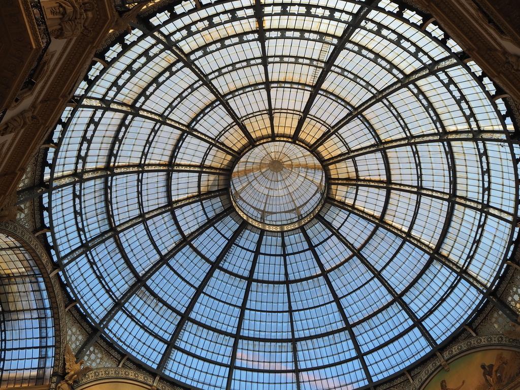ミラノ「ガッレリア」中央丸天井