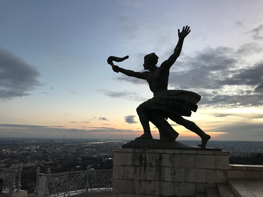 ゲッレールトの丘「自由記念碑」