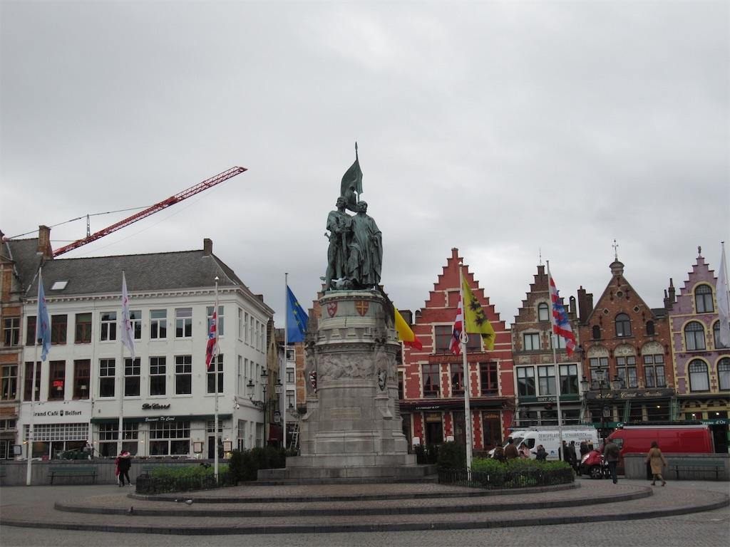 マルクト広場の像