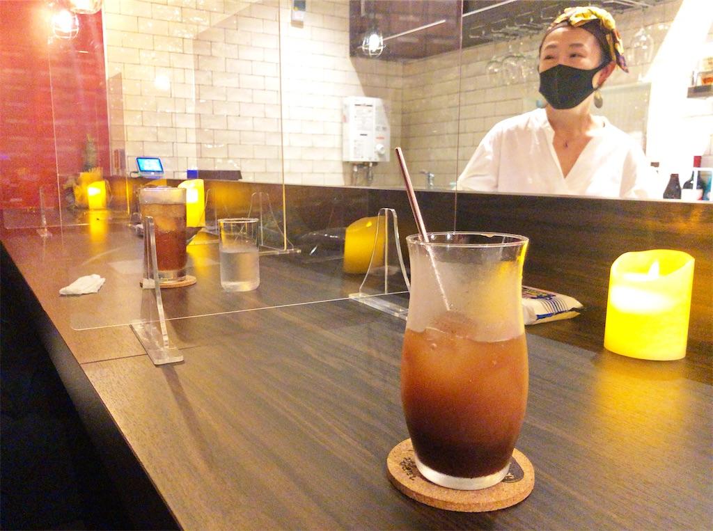 赤坂の昼スナックのオーナー、木下紫乃さんと
