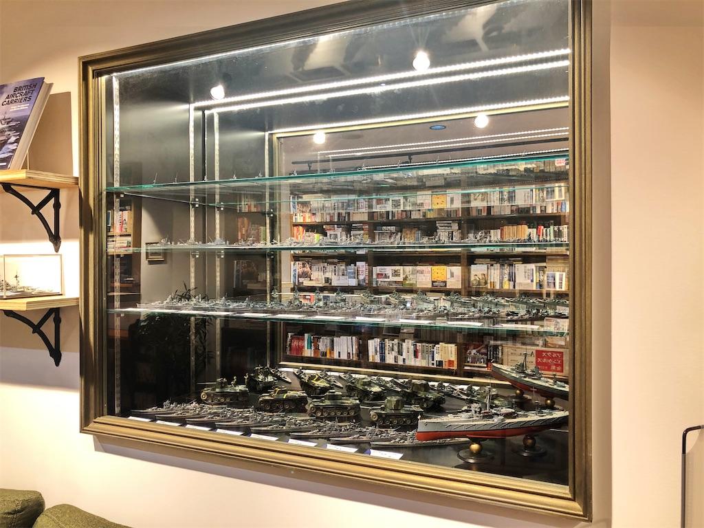 清澄白河のブックカフェ ドレッドノートの戦艦模型コレクション
