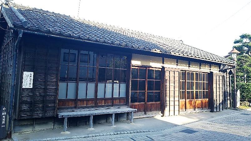 f:id:yamamomokobaru:20181130203907j:plain