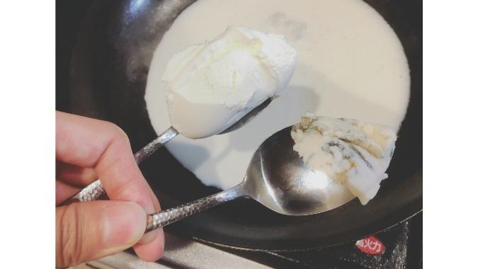 クリームチーズとゴルゴンゾーラ
