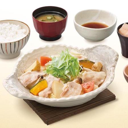 四元豚とたっぷり野菜の蒸し鍋定食