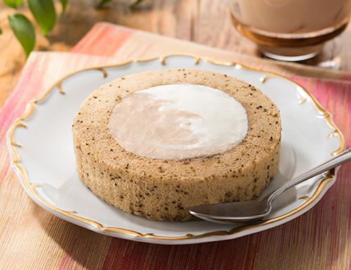 ローソンのプレミアム スパイス香るチャイのロールケーキを