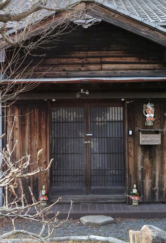古民家の玄関、お正月の飾り付け