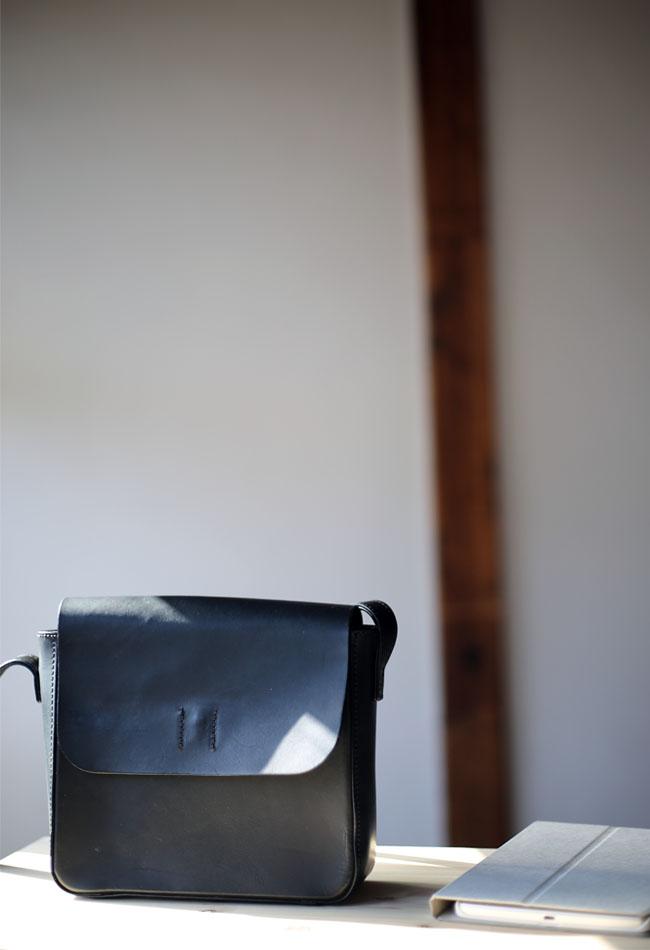 ヌメ革バッグのデザイン