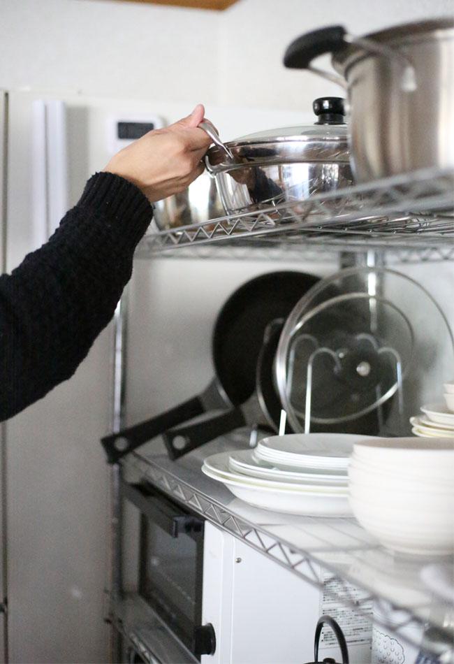 アルミ鍋は軽く割れにくく、置き場所も自由