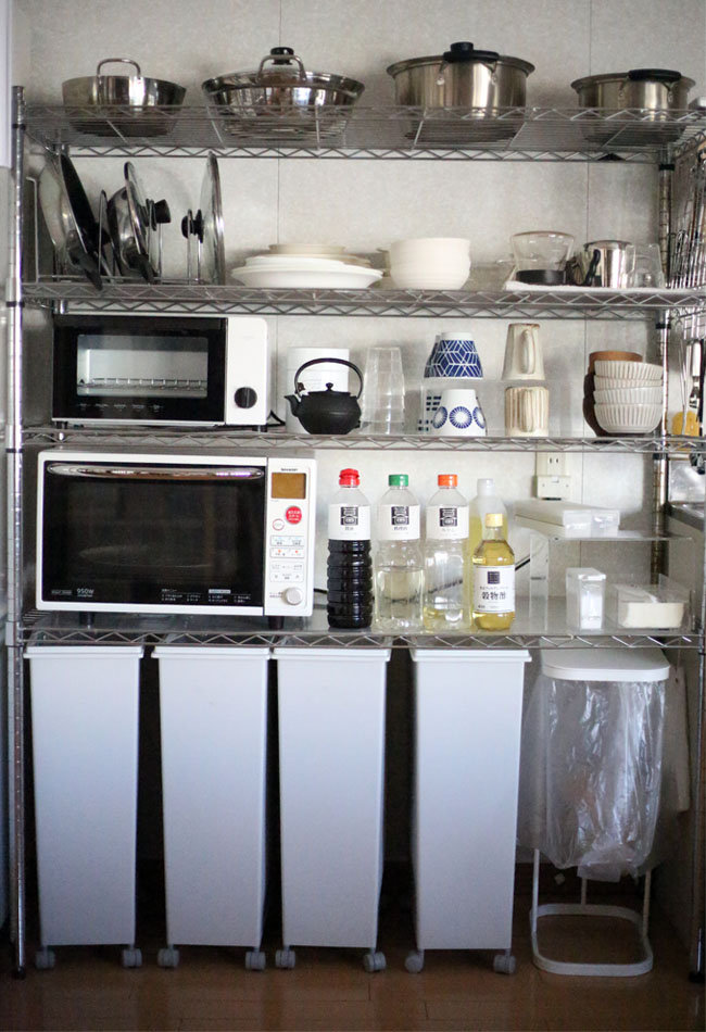 キッチン食器棚片付け前