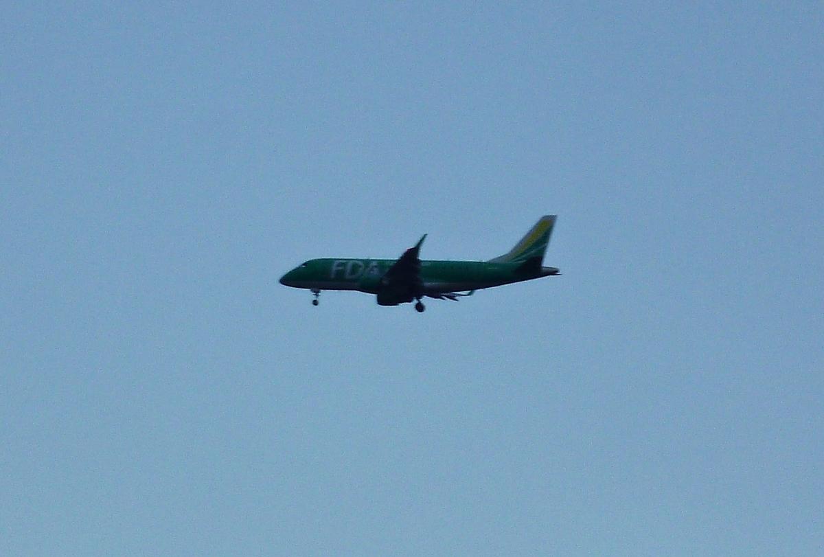 ジェット旅客機 着陸態勢
