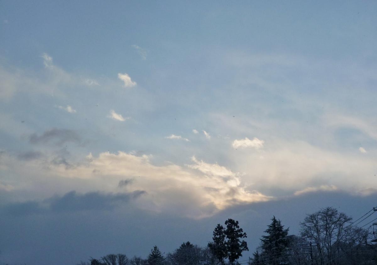 日の出後の空と雲