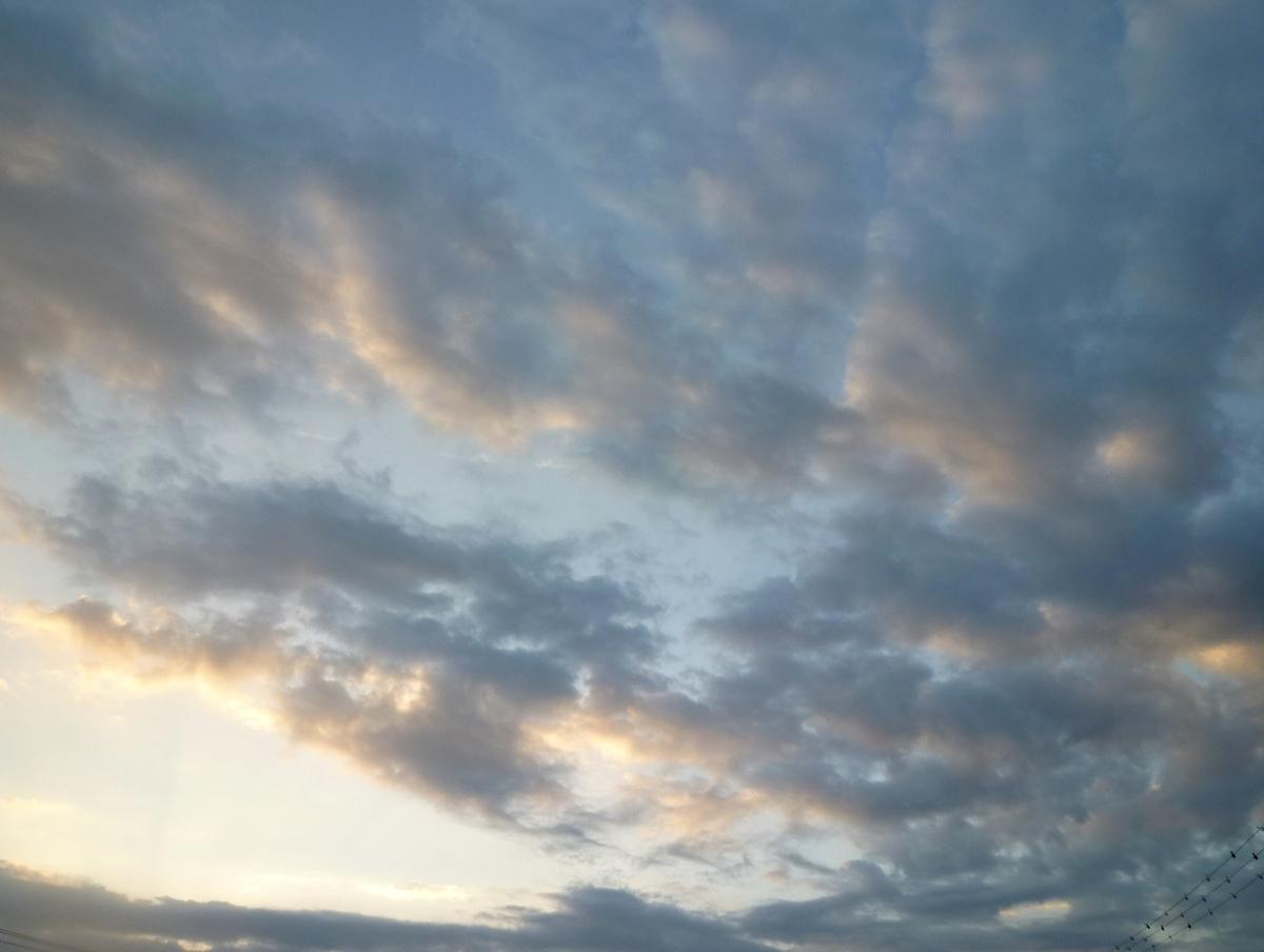 夏の終わりの夜明け