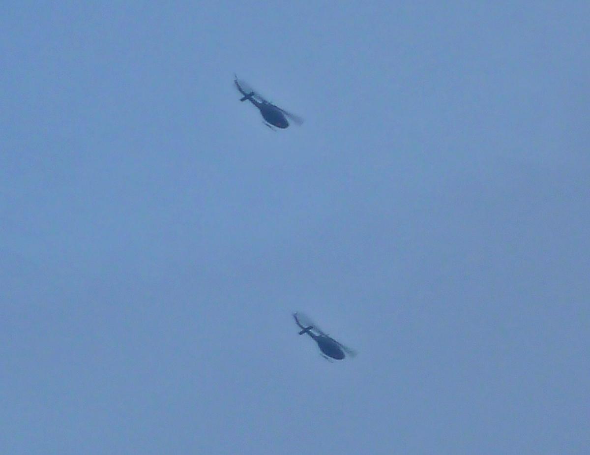 ヘリコプター2台