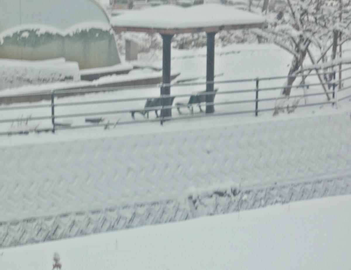 雪景色 ベンチ