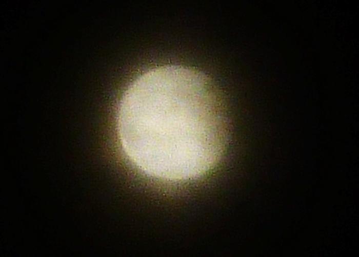 スーパームーン皆既月食