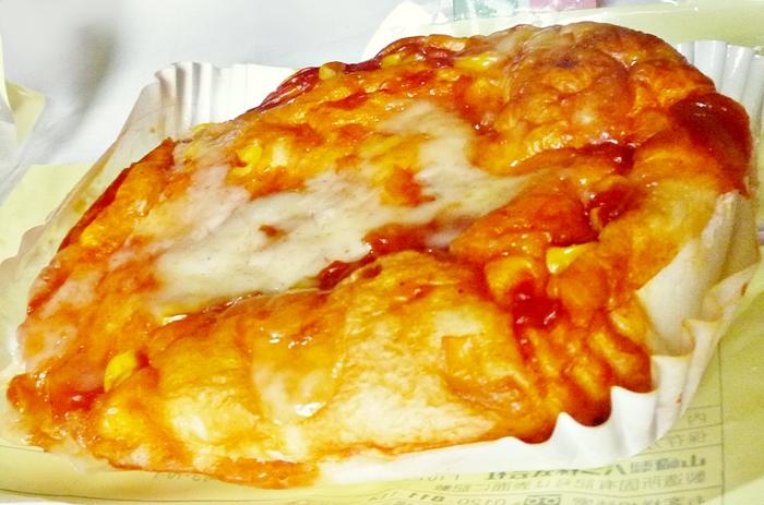 ヤマザキ シャキシャキたまねぎの ピザパン レビュー