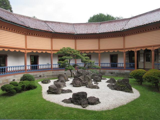 済生館中庭