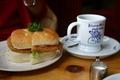 ホットサンドあみ焼チキンとブレンドコーヒー