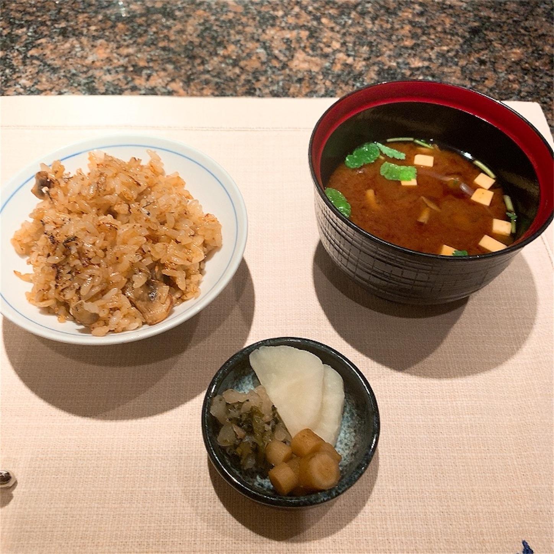 ガーリックライスと味噌汁と漬け物