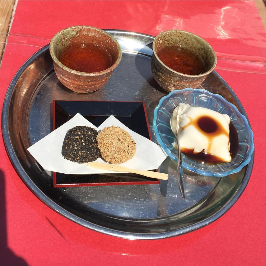 胡麻団子と胡麻豆腐
