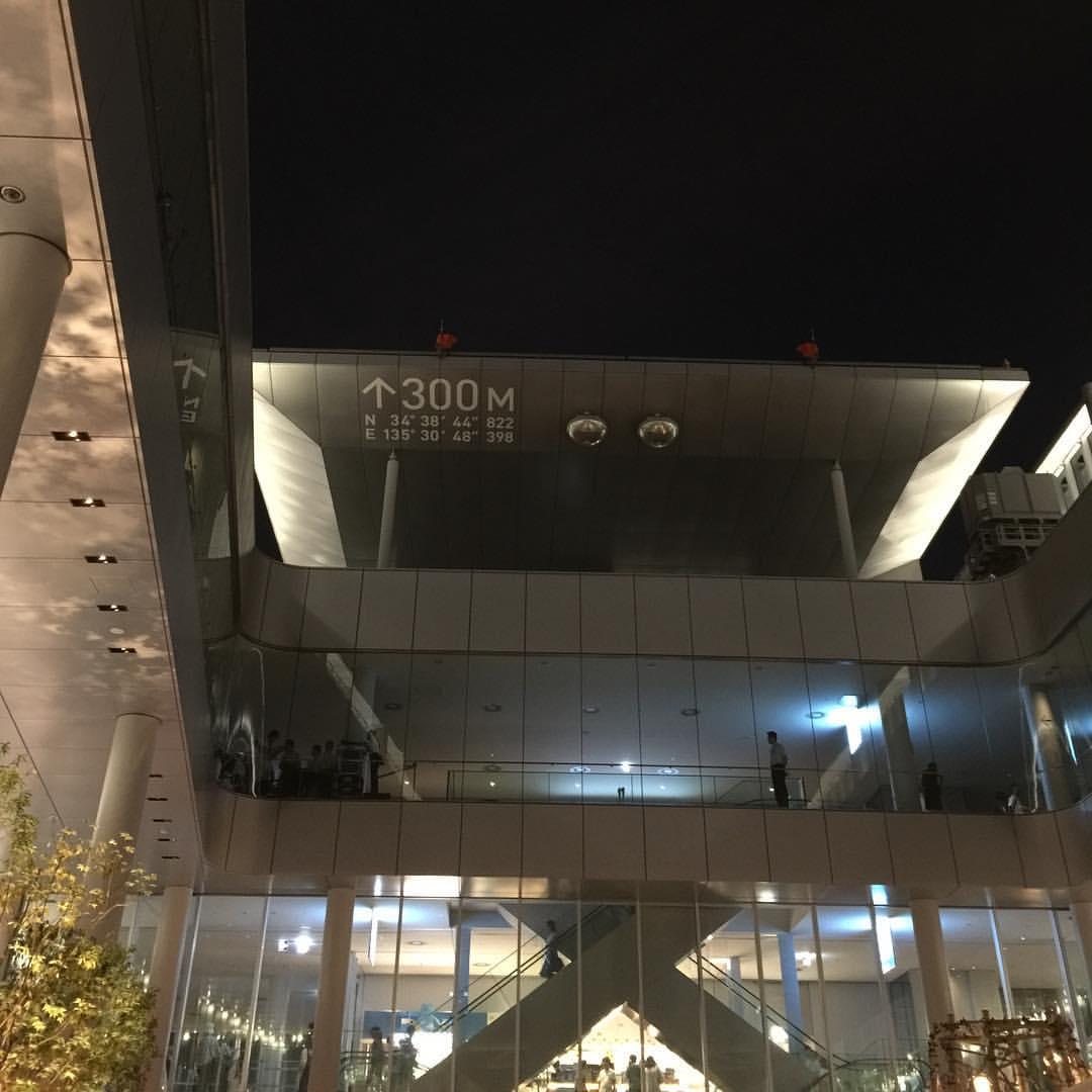 58階の吹き抜け