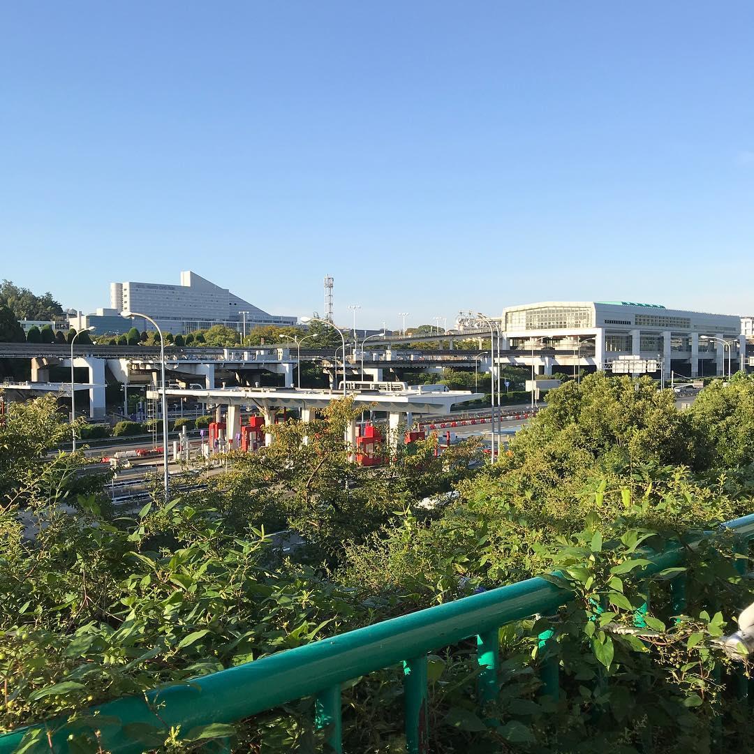 万博記念公園駅方向
