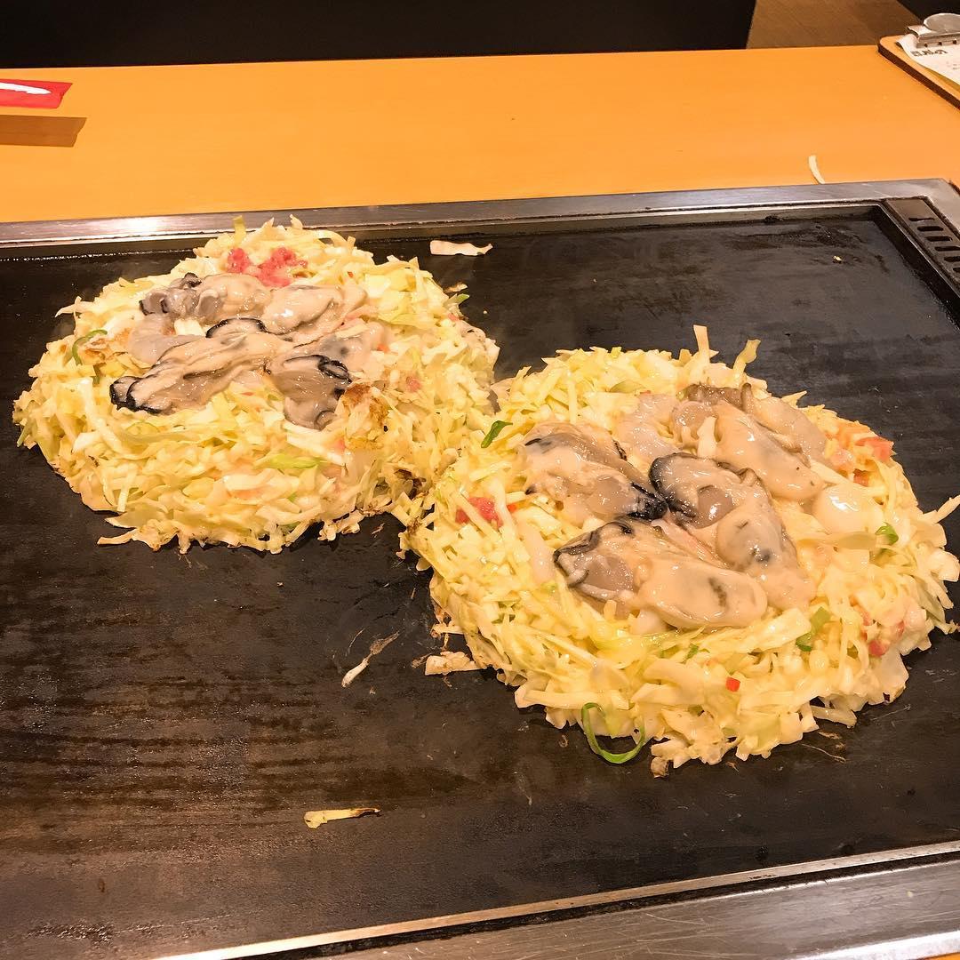 鶴橋風月のかきミックスモダン焼