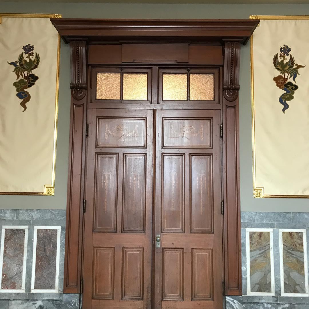 特別室の扉