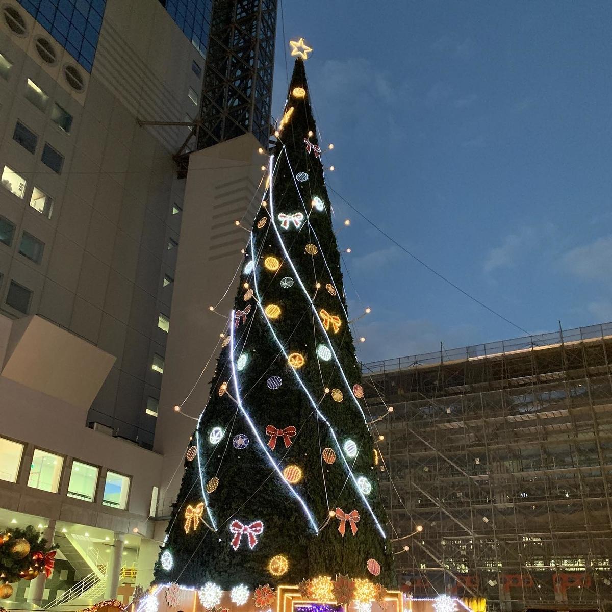 梅田スカイビルのクリスマスツリー