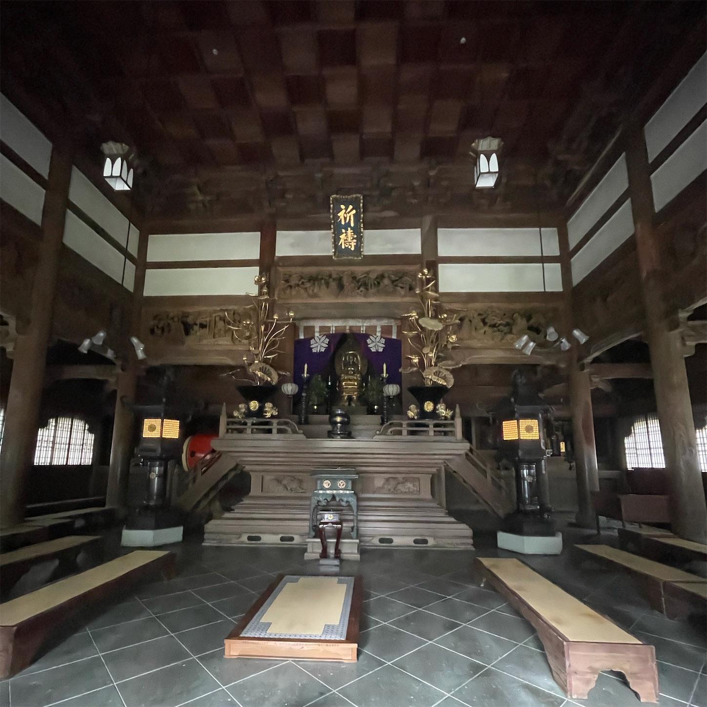 永平寺仏殿の内部